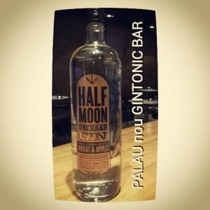 """HALF MOON ORCHARD GIN"" PALAU nou GINTONIC BAR"